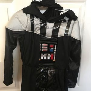 Disney character darth vader in good condition 6/7